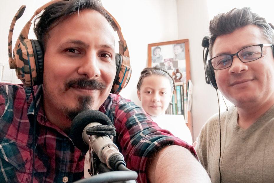 Mauricio Baquero y Gerardo Riarte grabando podcast